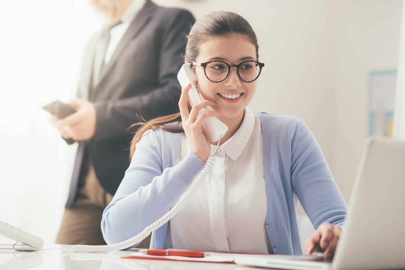 Praca biurowa – wykształcenie, wymagania, zarobki